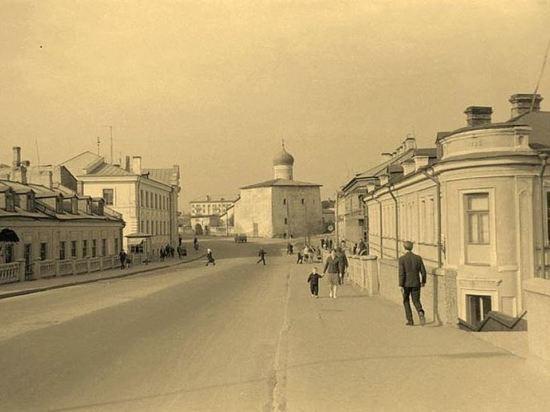 Глава Пскова задумал проехаться по парламентаризму