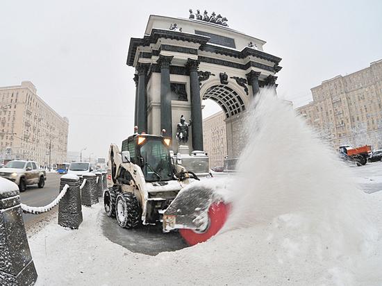 Снегопад в Москве: что нужно требовать от дворников