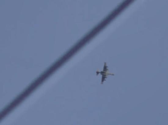 Появилось видео уклонения российского Су-25 от огня сирийских террористов