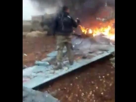 В Сети появились видеозаписи с места крушения самолета