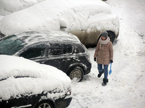 Глава Минтруда разрешил россиянам опаздывать на работу из-за снегопада