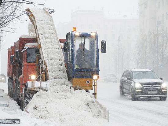 Коммунальщики справились  со «снегопадом столетия»