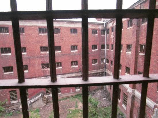 СМИ рассказали, как ФСИН экономит на питании заключенных