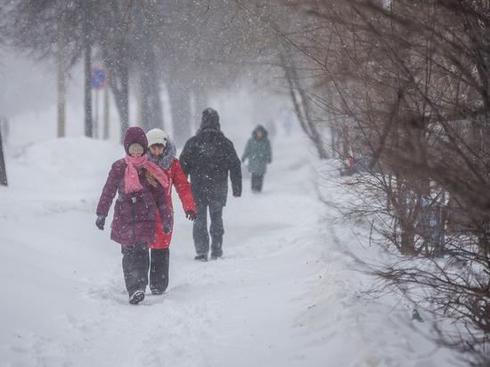 Снежные пробки в Казани обещают ликвидировать к 9 часам вечера
