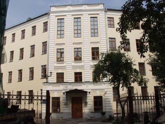 Католики наступают в Масленицу: Римская Архиепархия отнимает московскую школу