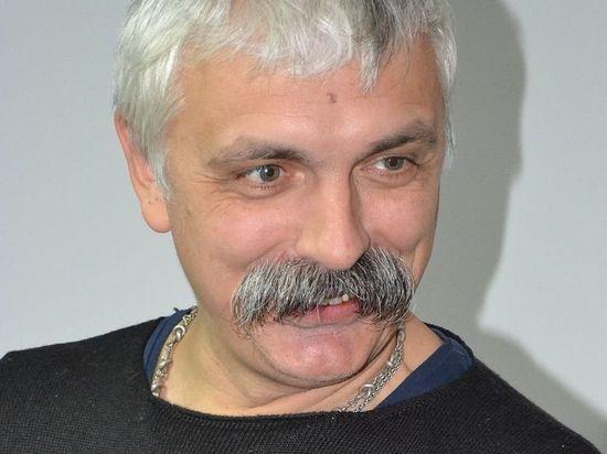 Лидер украинских националистов решил возить отечественных звезд в железных клетках