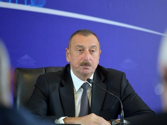Эксперты объяснили досрочные выборы в Азербайджане: чтобы не вмешались внешние силы