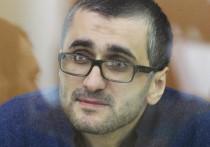 """Бизнесмена Шамиля Нурмагомедова приговорили к 7 годам заключения за финансирование запрещенной в РФ террористической организации """"Исламское государство"""", на стороне которого воевал его родной брат"""
