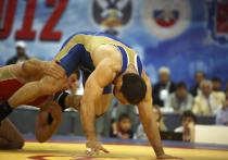 Кавказские борцы собрали букет наград на старте сезона