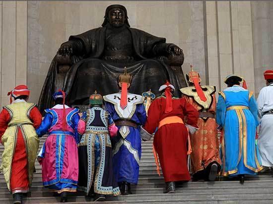 Жаргалсайхан: «Треть монголов живет в бедности, люди не видят перспектив оставаться в Монголии»
