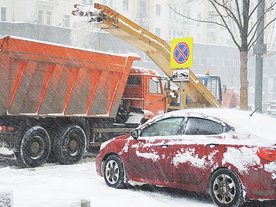 На ликвидацию последствий снегопада городу потребуется меньше недели