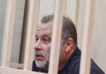 Защита бывшего замдиректора ФСИН Олега Коршунова, обвиняемого в хищениях на 160 млн рублей, обвинила следователей СКР в экономической безграмотности