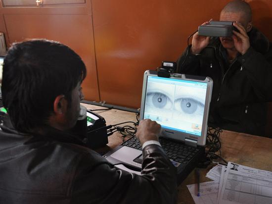 Россиянам начали выдавать кредиты после биометрического сканирования