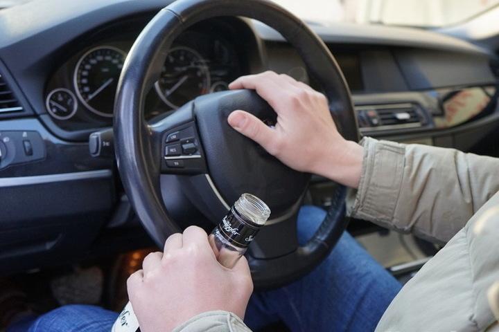 Почти 20 водителей попались нетрезвыми за рулем