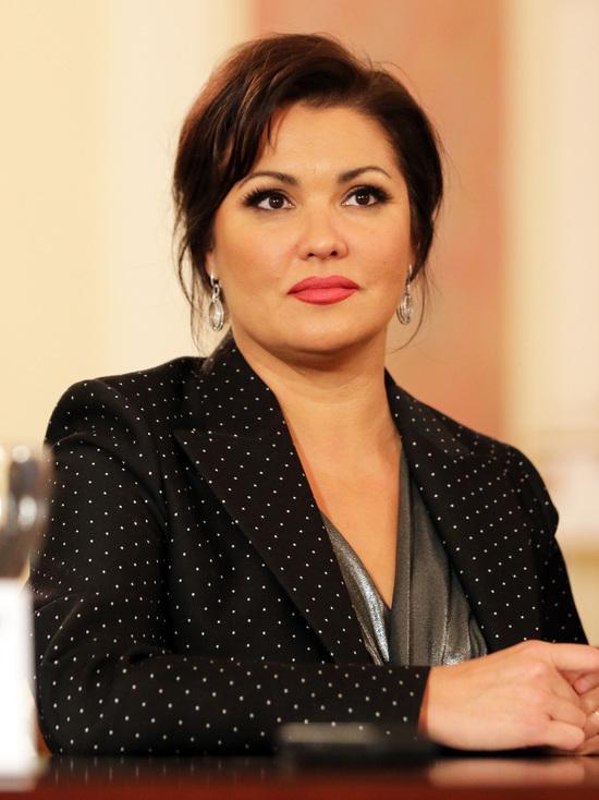 Оперная певица Нетребко пригрозила отменить концерты, обидевшись на спекулянтов