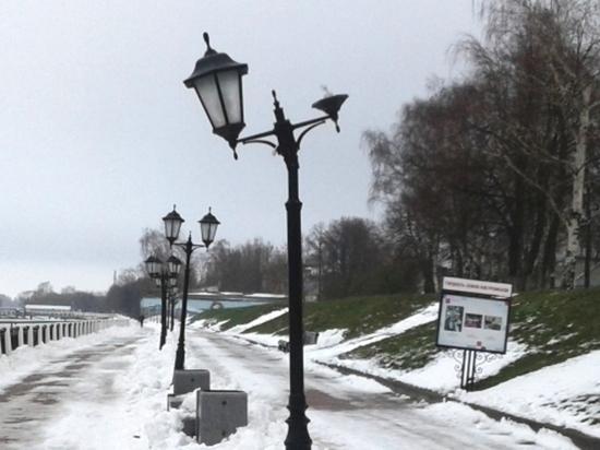 Фонари вдоль Волги в Костроме отремонтируют после нашествия вандалов