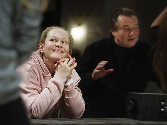 Напрасно Юлия Пересильд предупреждала псковичей перед премьерой своей «Каштанки»: «Если что, вы Герасима там не ищите. Его нет». Они нашли.