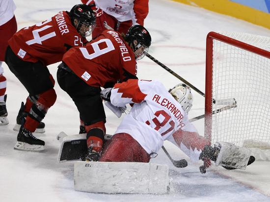 Женская сборная России по хоккею разгромно проиграла Канаде на Олимпиаде
