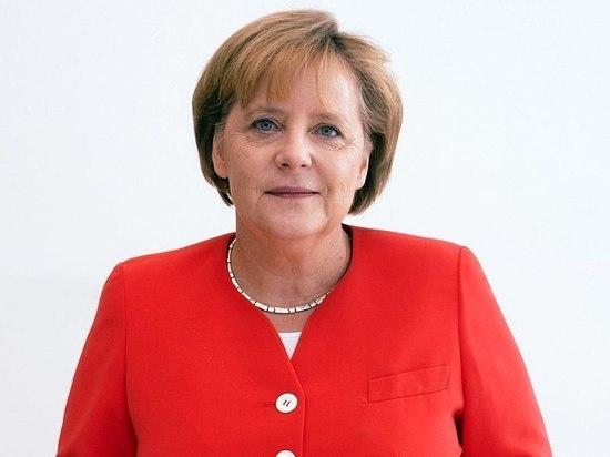 Меркель заявила, что не отдаст свой пост: кто «перехватывает инициативу»