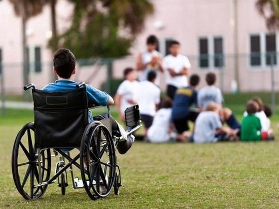 Подмосковных детей-инвалидов возьмут под опеку волонтеры