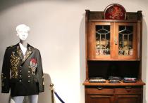 В Музее Москвы представили десятки образцов старинной мебели, одежды и оружия из коллекции музея