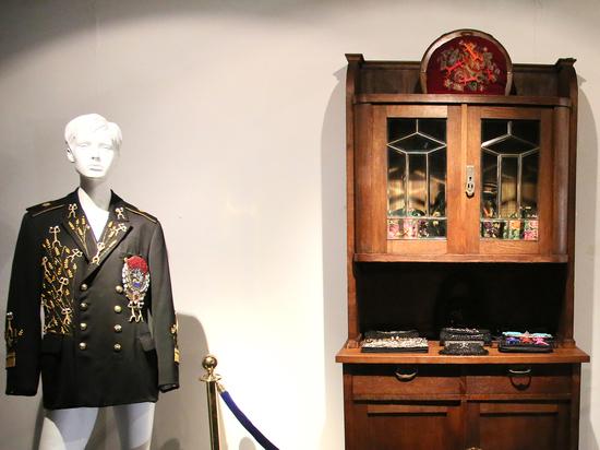 Созданные из денег экспонаты показали в Музее Москвы