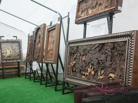 На Масленицу в Ставрополе «Третий Рим» представил уникальные резные изделия