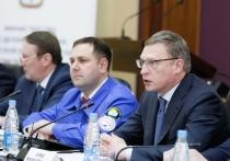 Омский губернатор Бурков рассказал студотрядовцам, как заработал первую тысячу