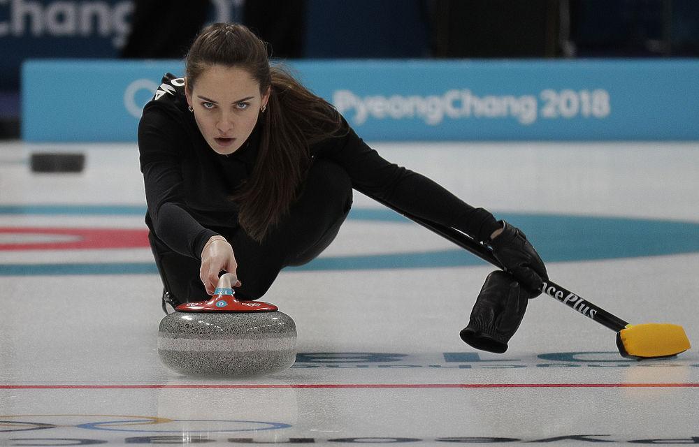 Олимпийские Кардашьян и Джоли: поклонники сравнили спортсменок со звездами Голливуда