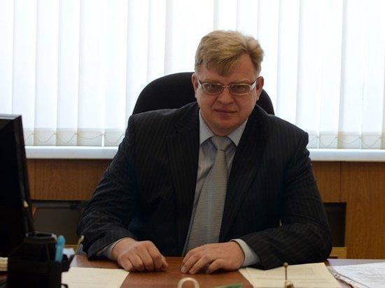 Глава Усть-Донецкого района обвиняется в превышении должностных полномочий