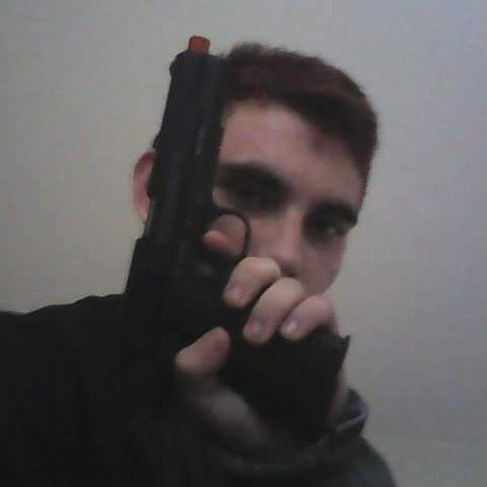 Флоридский стрелок Николас Круз в фотографиях: дневник психопата