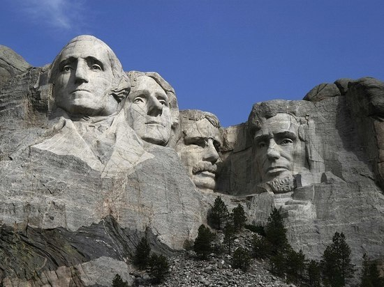 Люди похожие на Линкольна: как США отмечают день президентов
