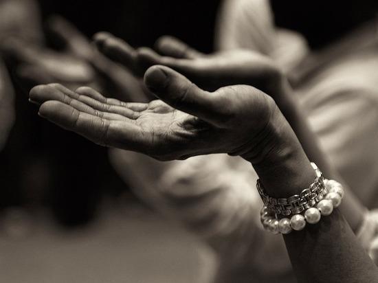 Девочка и секта: малышку довели до истощения ради «познания истины»