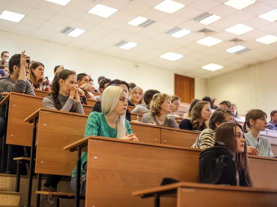 Лучшие школьники Сибири сразились за право называться студентами главного вуза страны
