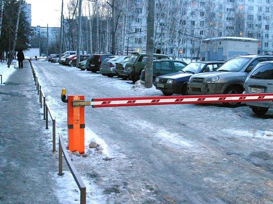 История с платными парковками в Алматы обогащается новыми красочными сюжетами