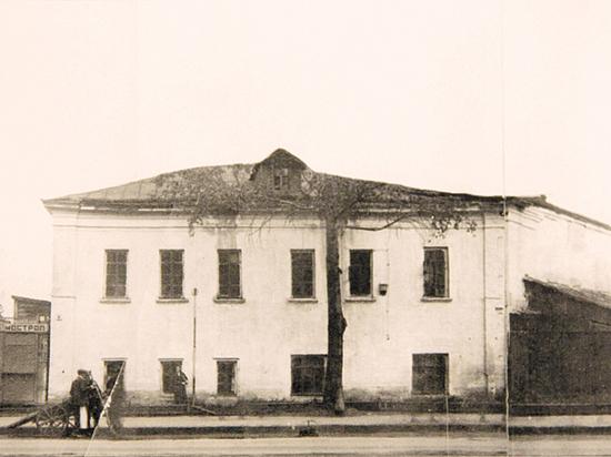 Рядом с вокзалом за старыми промзонами сохранились образцы XVII века