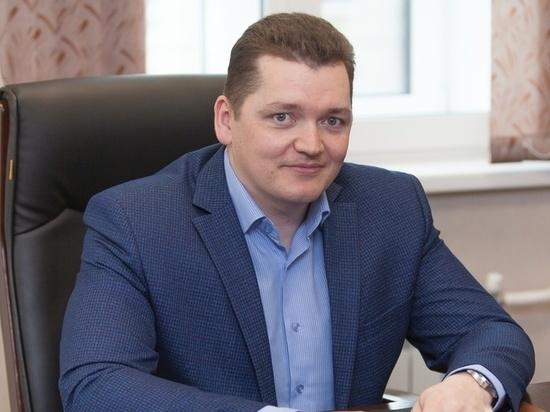 Супруга нового начальника Фонда ОМС работает под началом Ольги Кобяковой…