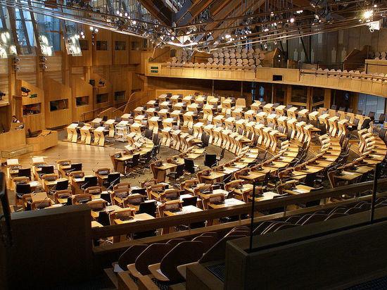 Шотландия показала Лондону сепаратистскую фигу, отказавшись выходить из ЕС
