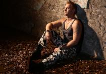 Необычное место для съемок видеоклипа на свою композицию «Всем мир» выбрал певец и композитор Алексей Хворостян