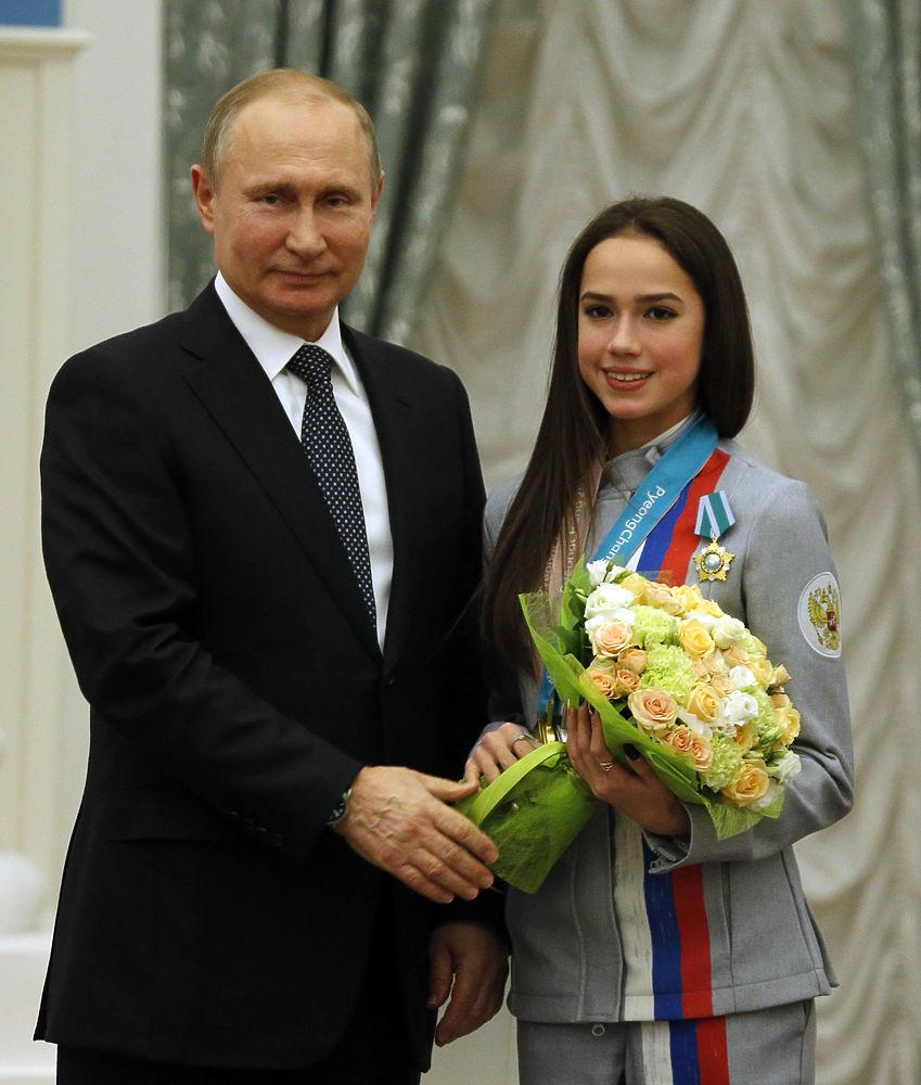 Загитова, Медведева и другие олимпийцы на вручении наград Путиным