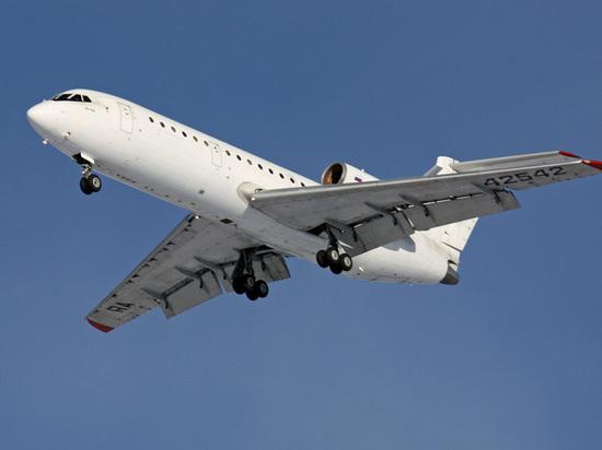 Летевший в Москву самолет «Саратовских авиалиний» сел с выключенным двигателем