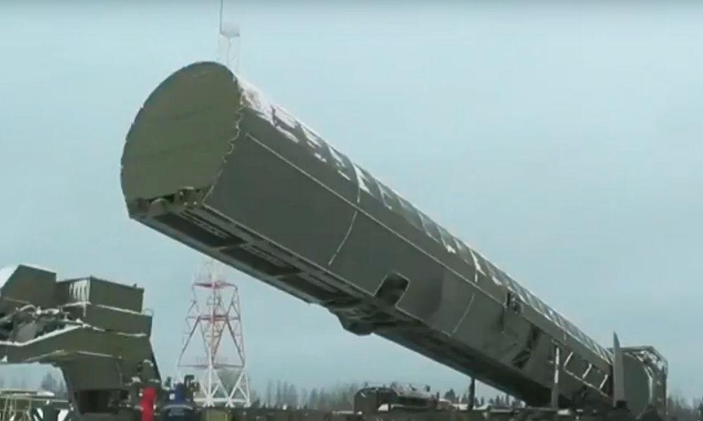 """От """"Сармата"""" до """"Кинжала"""": кадры оружия, показанного Путиным на послании"""
