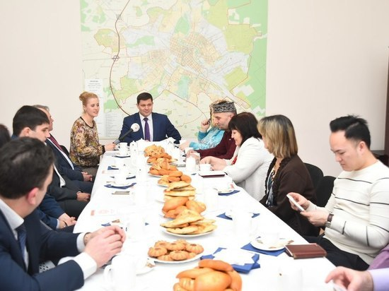 Мэр Вологды обсудил планы совместной работы с представителями национальных диаспор
