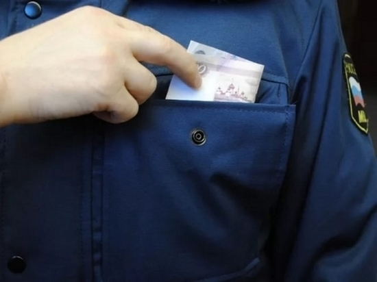 В Уварово владелица торгового павильона пыталась подкупить полицейских