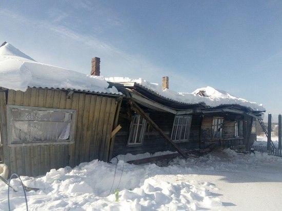 Костромские эксперты выясняют причины обрушения крыши в двухэтажном доме