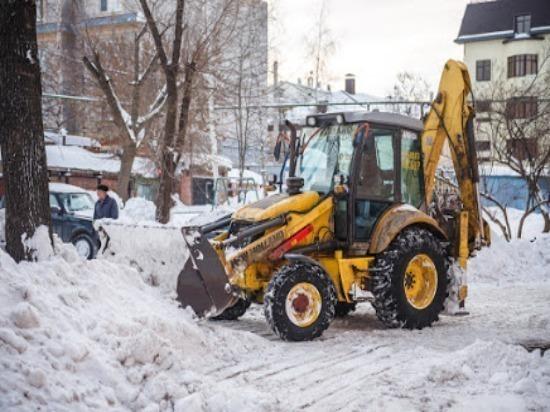 Дороги от снега в Ульяновске расчищают 45 спецмашин
