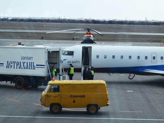 Из-за погоды в Астрахани вновь задержали самолет