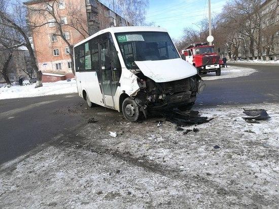 Мужчина пострадал в ДТП с пассажирским автобусом в Барнауле