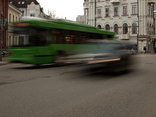 В Тольятти пассажир автобуса упал на коляску с ребенком