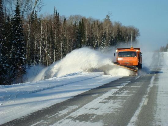 На расчистку костромских трасс с ночи вышли более ста единиц снегоуборочной техники